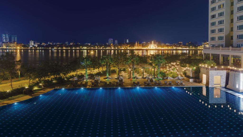 The swimming pool at or near Sokha Phnom Penh Residence