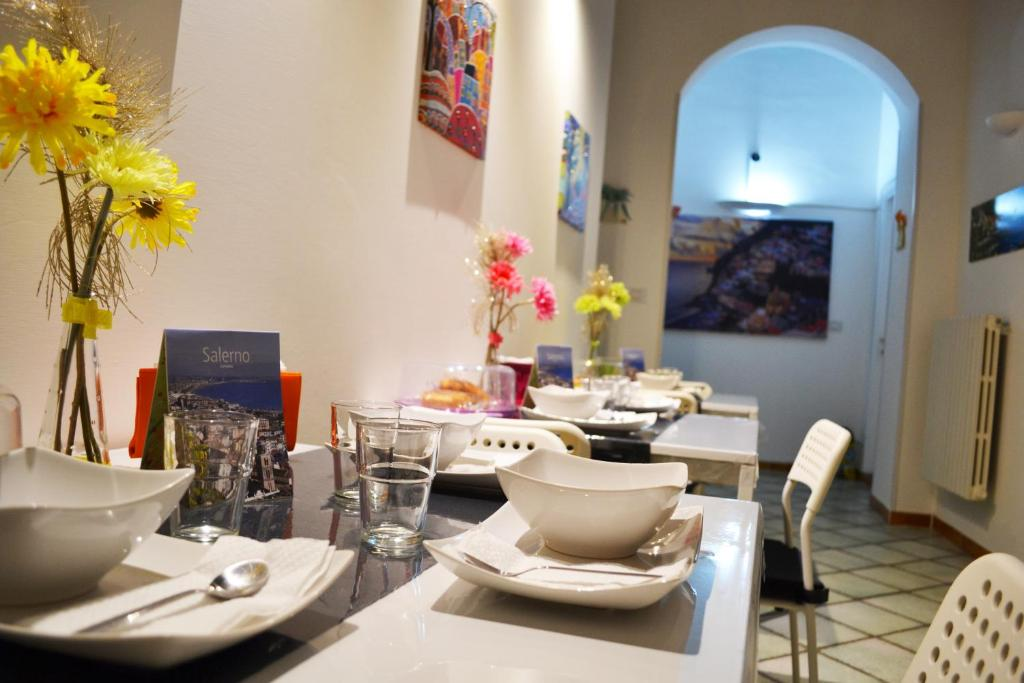 A restaurant or other place to eat at B&B Dei Mercanti