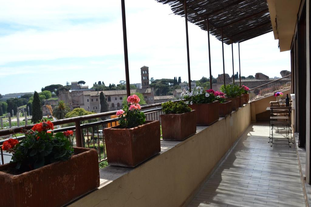 A balcony or terrace at Penthouse Cardello Colosseum