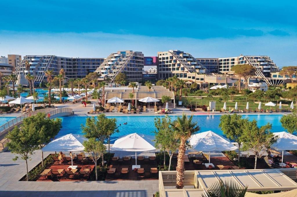 Vista de la piscina de Susesi Luxury Resort o alrededores