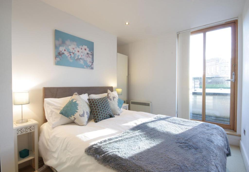 Luxury apartments 207 & 306  By the Bridge - Laterooms