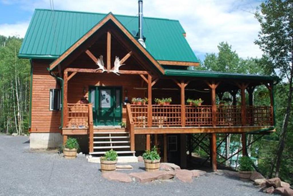 Auberge de la Rivière Matapédia - Matapédia River Lodge