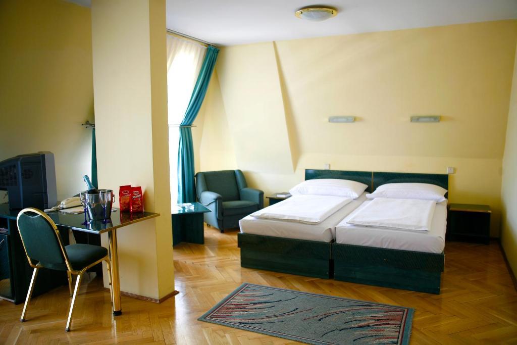 Hotel Bara Budapest Budapest, Hungary