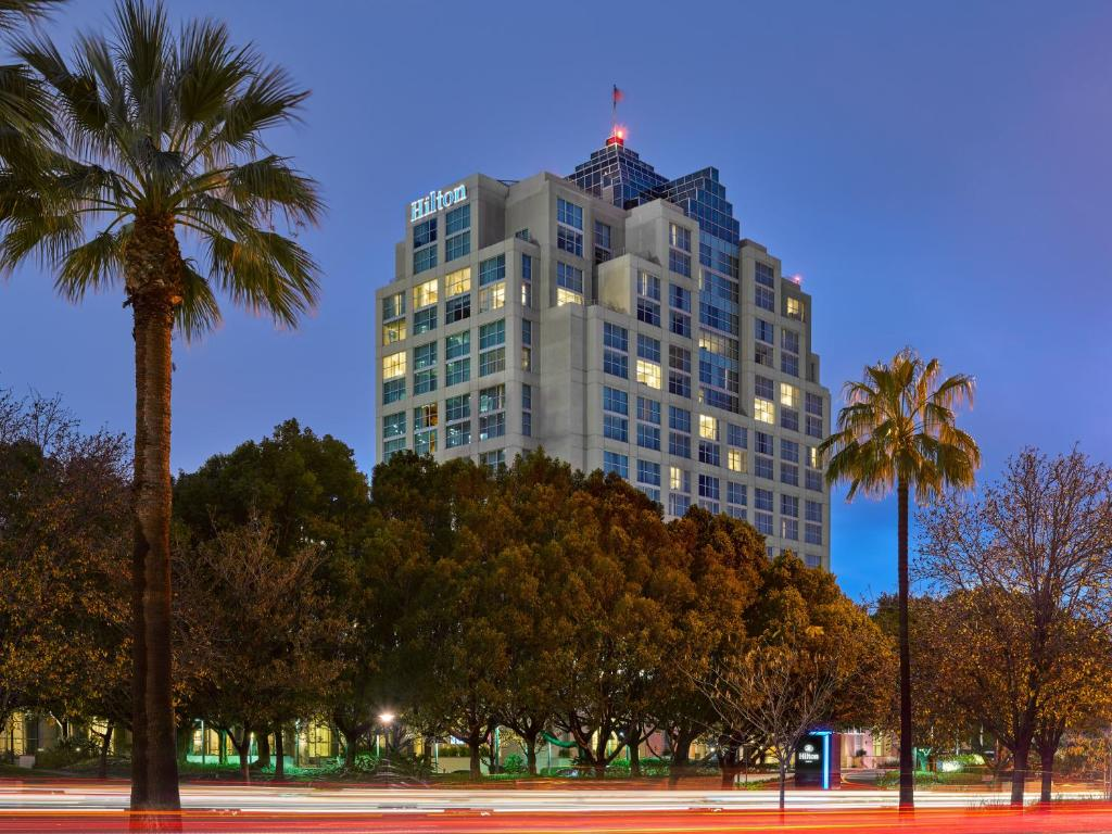 The Hilton Los Angeles North - Glendale.