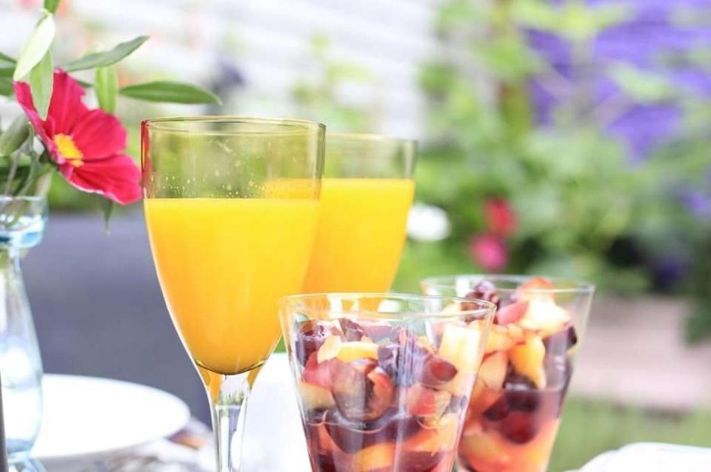 Drinks at Glanmor Garden Apartment