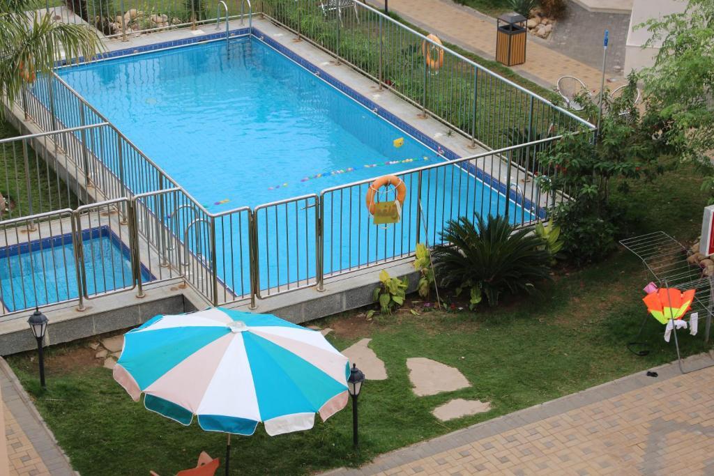 Uma vista da piscina em Al Jar Resort - Families Only ou nos arredores