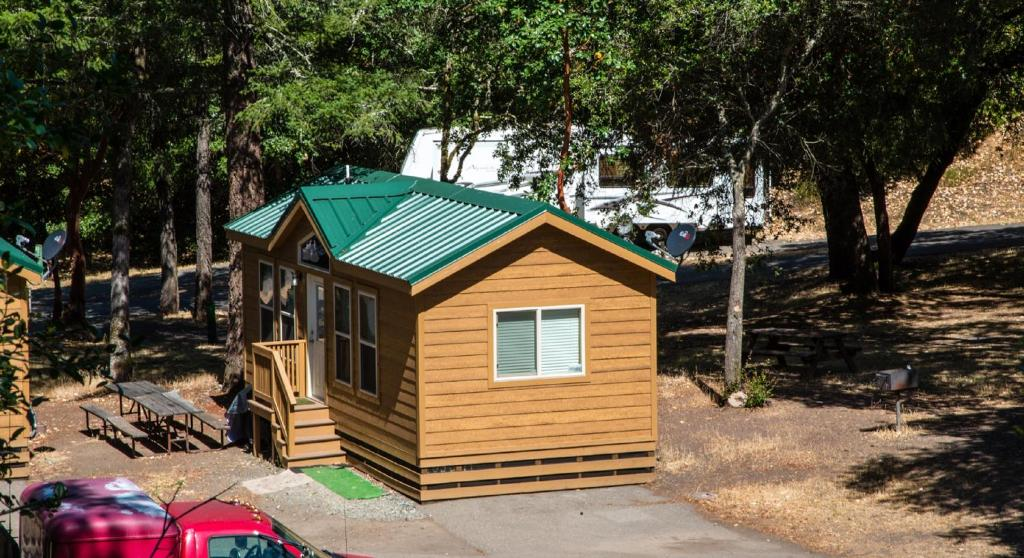 Russian River Camping Resort Cottage 9