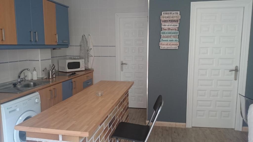 A kitchen or kitchenette at Apartamento Cigüeña