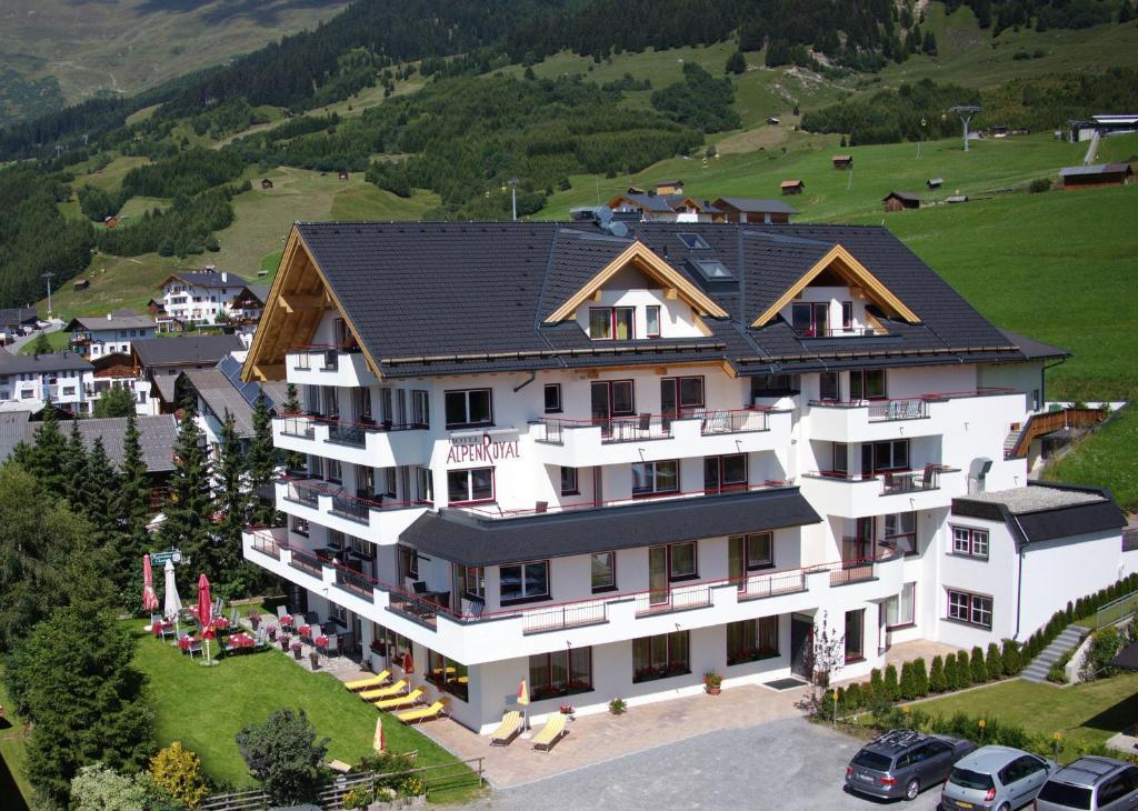 Hotel Alpenroyal Fiss, Austria