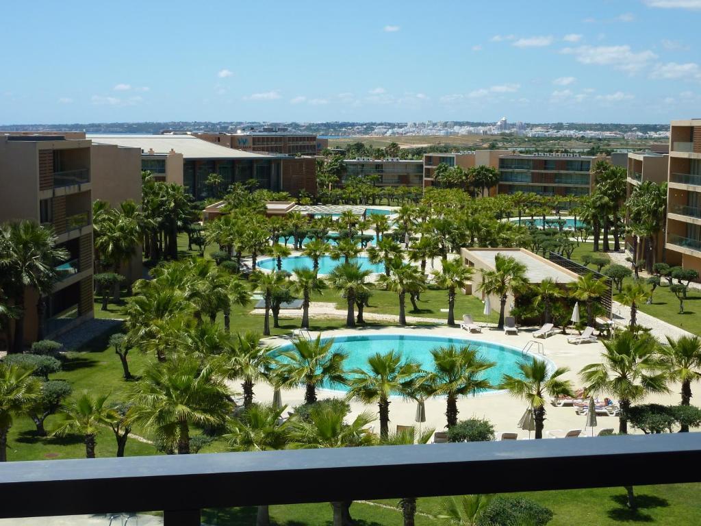 A view of the pool at Vila das Lagoas - Herdade dos Salgados or nearby