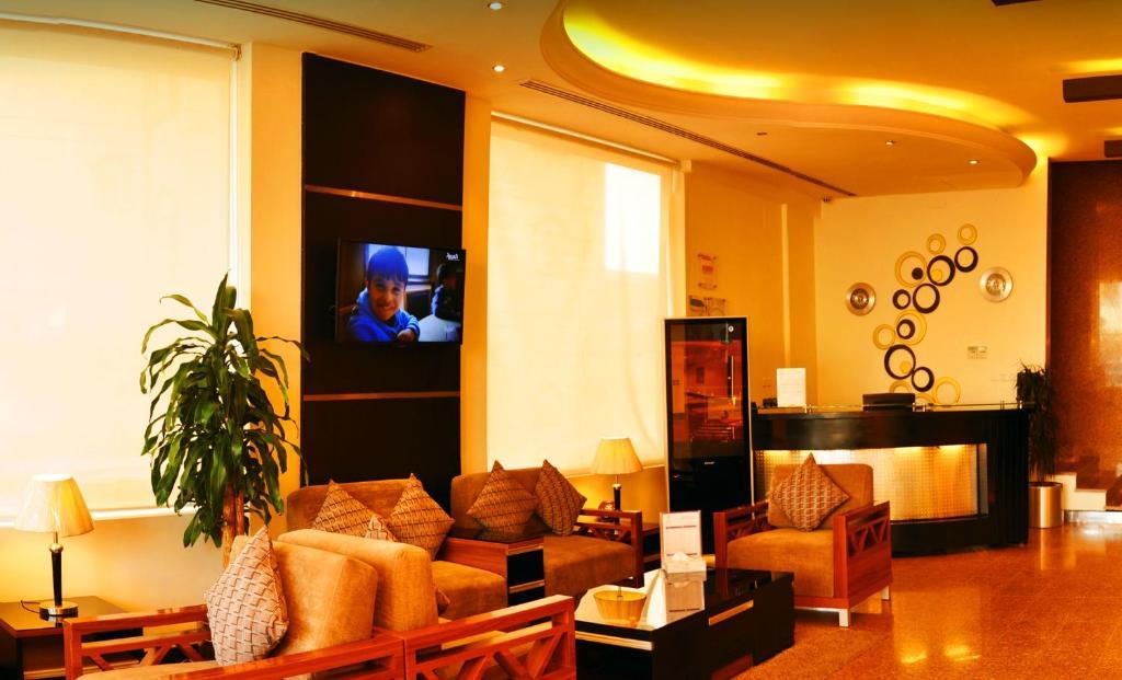 O saguão ou recepção de Nelover Hotel Hafar