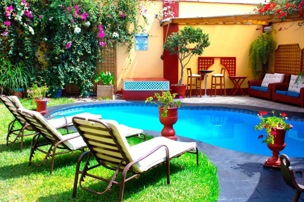 The swimming pool at or close to Peru Star Apart-Hotel