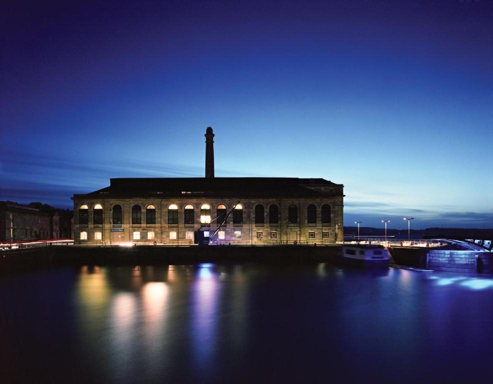 Royal William Yard - Plymouth Serviced Apartments.com - Laterooms