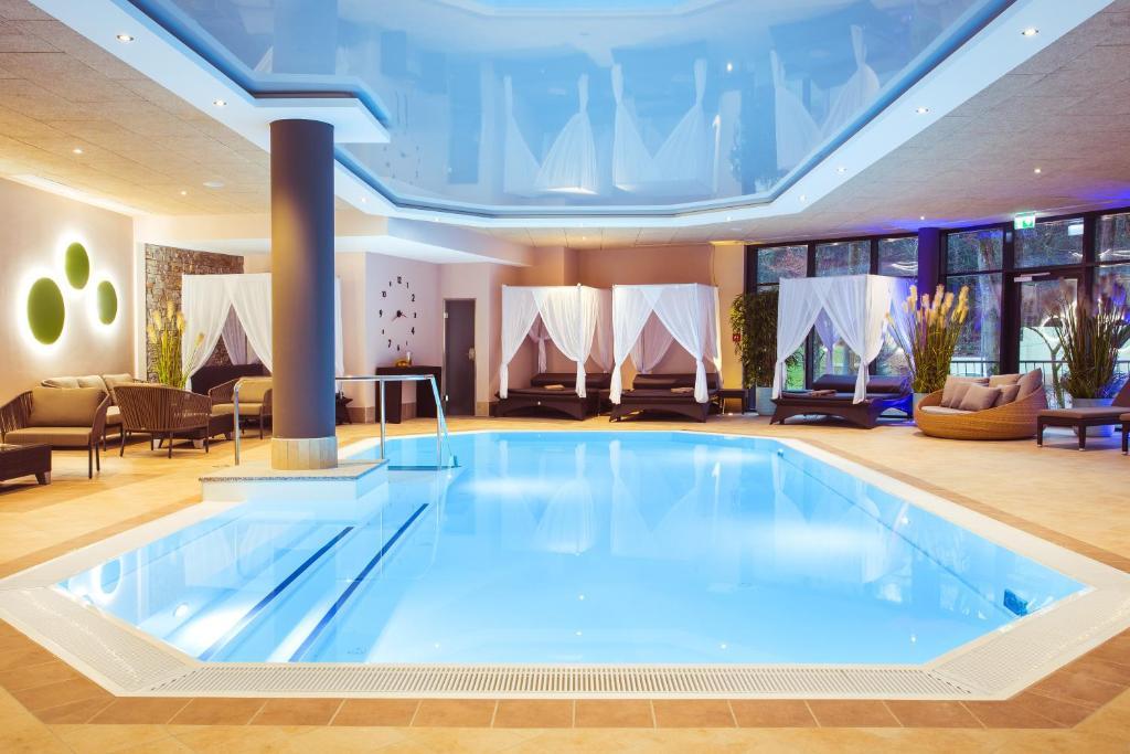 Der Swimmingpool an oder in der Nähe von Göbel´s Vital Hotel Bad Sachsa