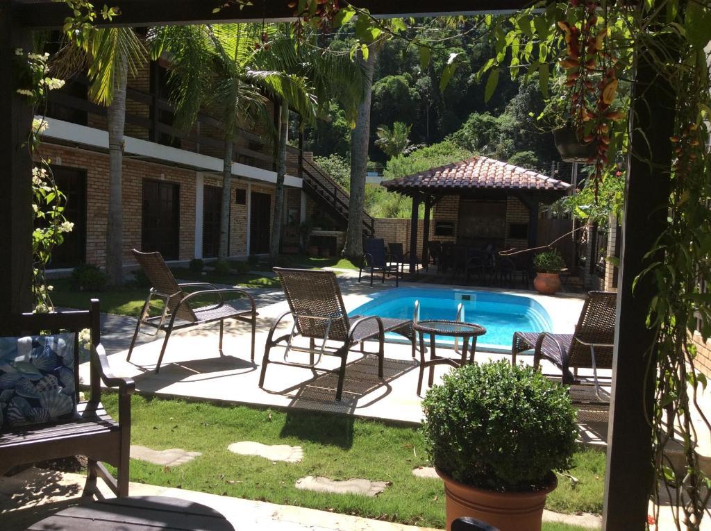 A piscina localizada em Residencial Costa Mar ou nos arredores