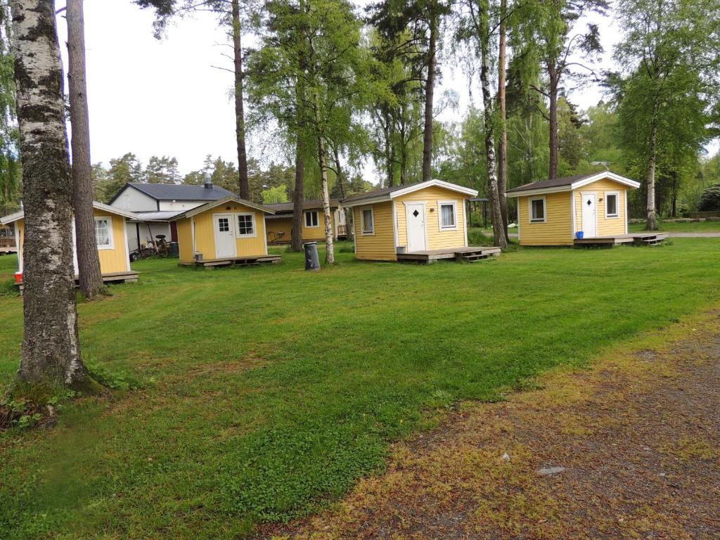 Byggnaden som campingen ligger i