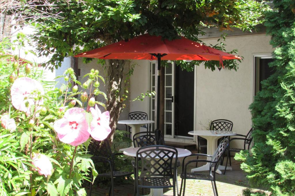 A porch or other outdoor area at Blairpen House Country Inn