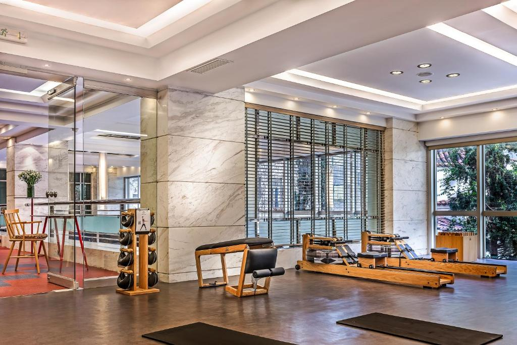 The lobby or reception area at Airotel Alexandros