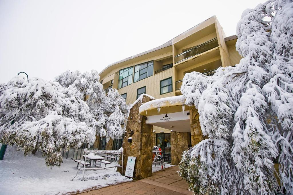 Mt Buller Chalet Hotel & Suites during the winter
