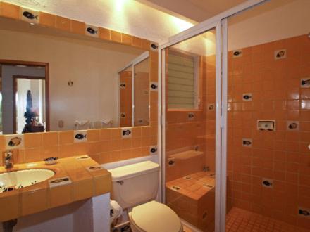 Un baño de Casa Isabel a Boutique Hilltop Inn