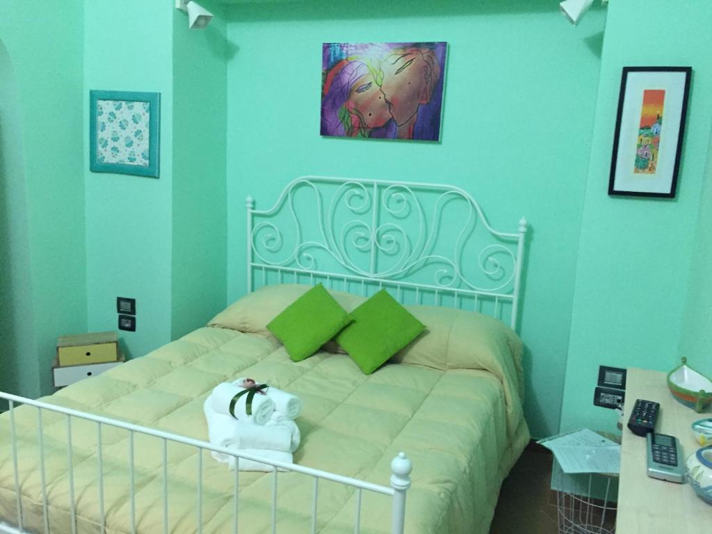 A bed or beds in a room at B&B Piantanova