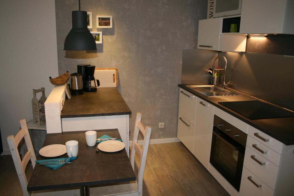 Küche/Küchenzeile in der Unterkunft Berghaus Glockner, App. Niedermeyer