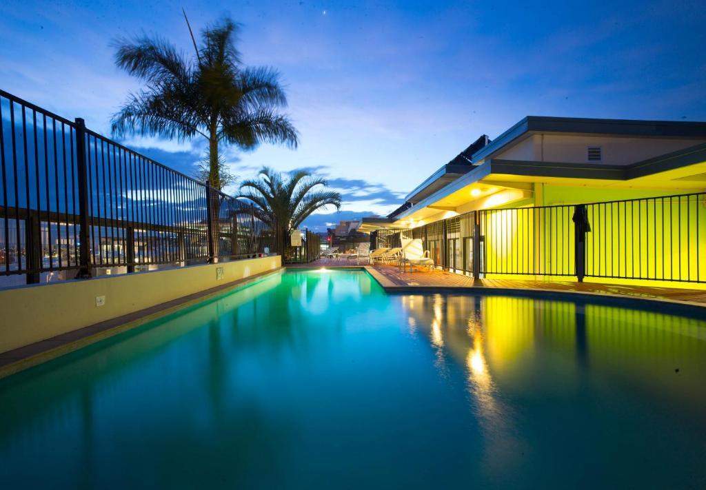 The swimming pool at or near Brisbane City YHA