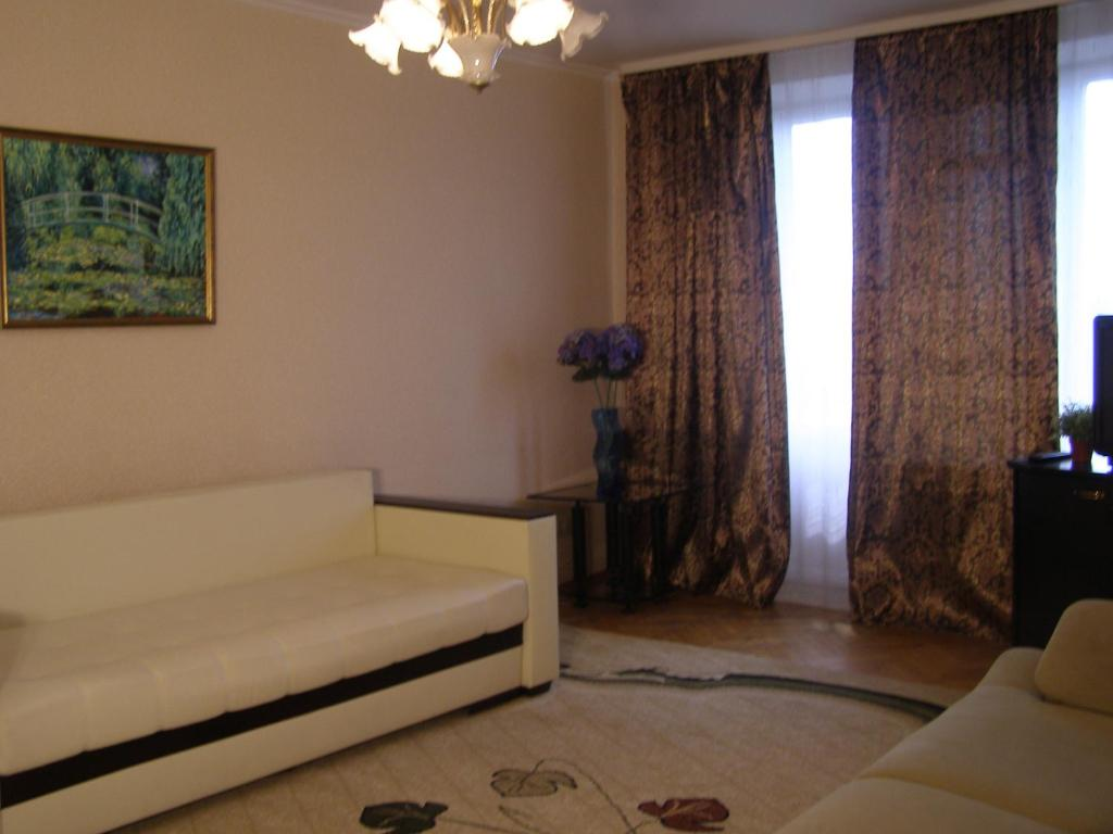 A seating area at Apartment Generala Ermolova
