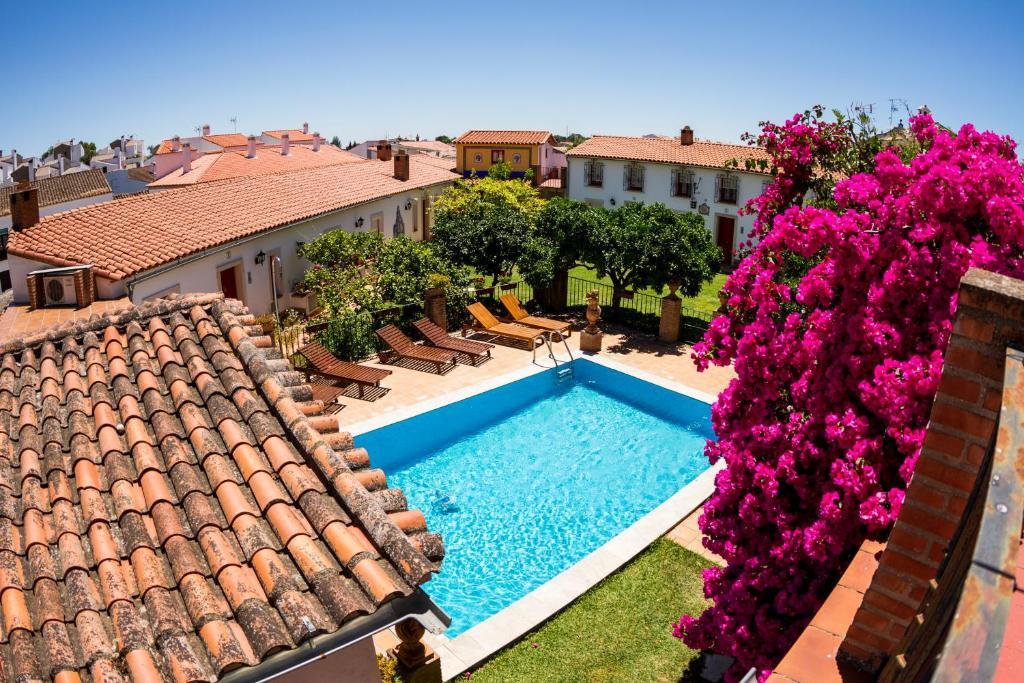 Vista de la piscina de La Estancia Villa Rosillo o alrededores