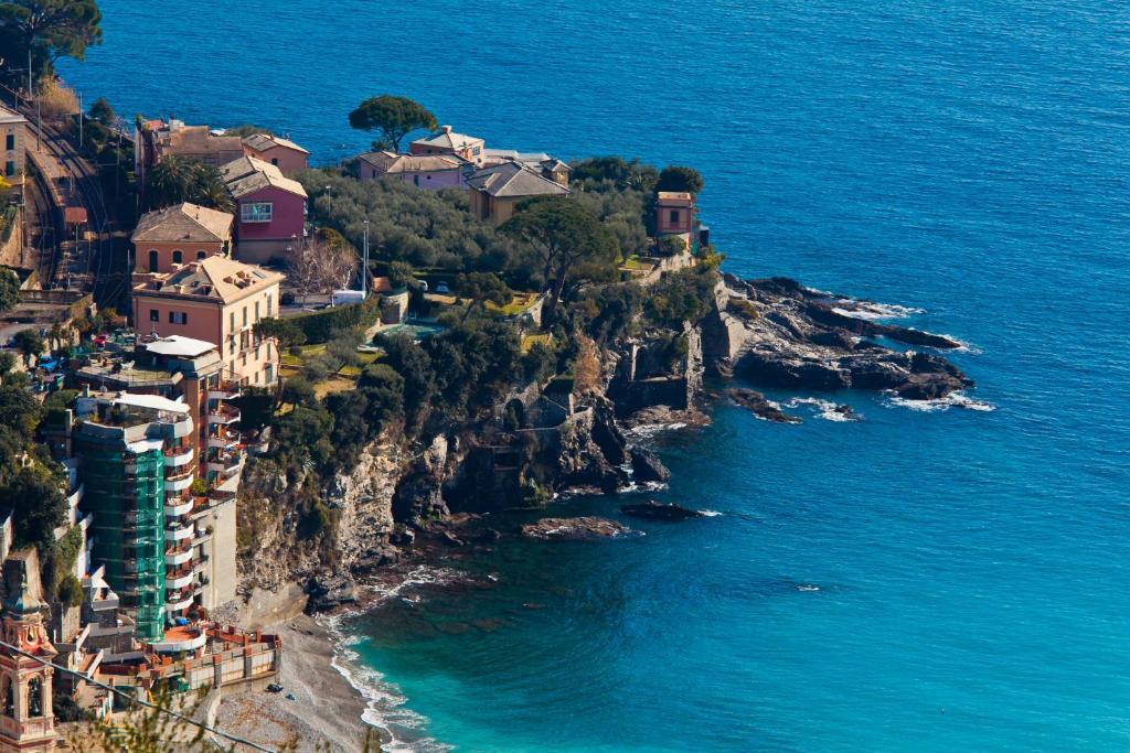 A bird's-eye view of Villa sul Mare