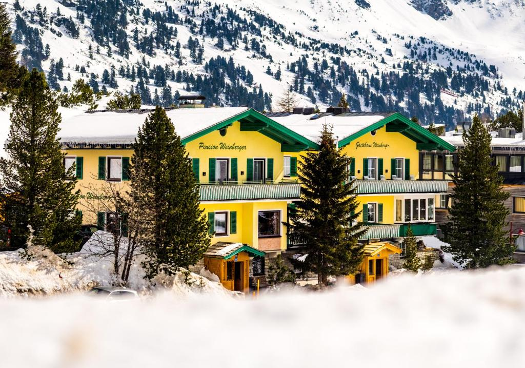 Pension Weinberger during the winter