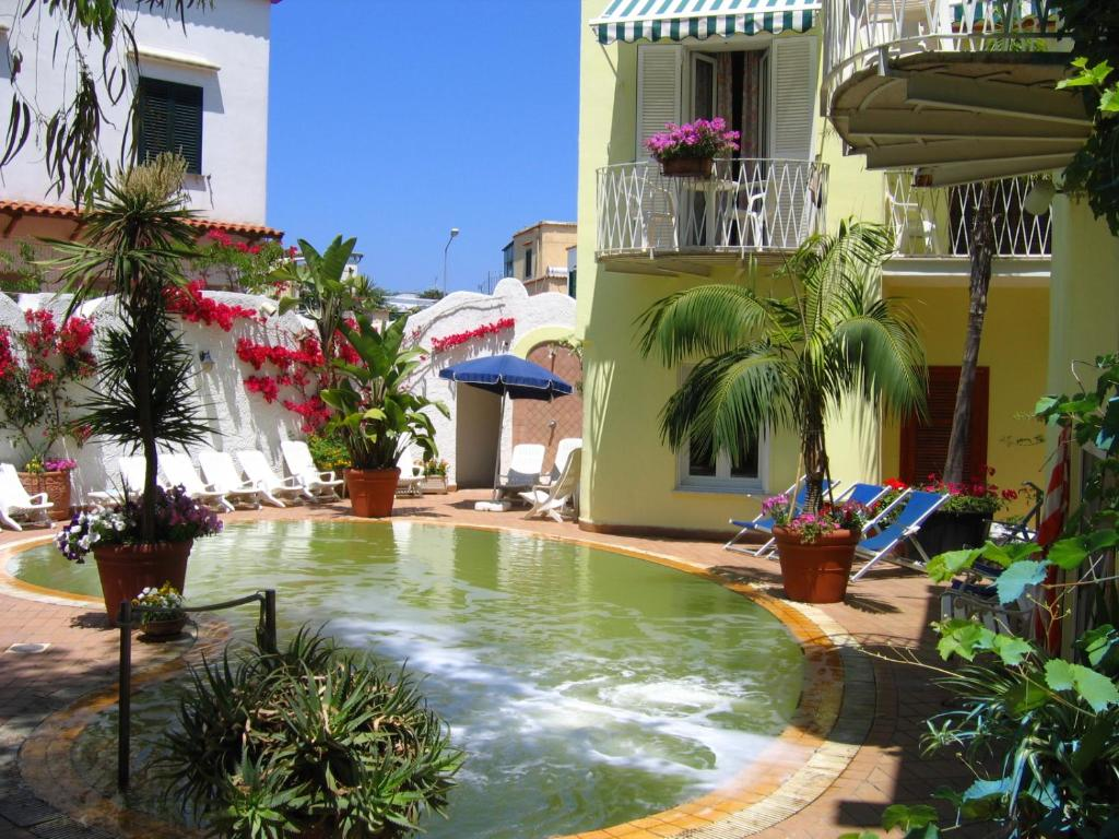 The swimming pool at or close to Hotel Europa