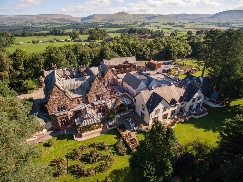 A bird's-eye view of Appleby Manor Hotel & Garden Spa