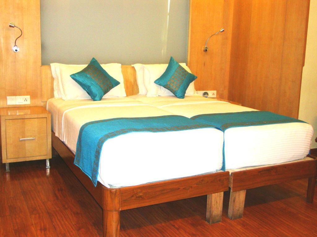 Hotel Emarald - Laterooms