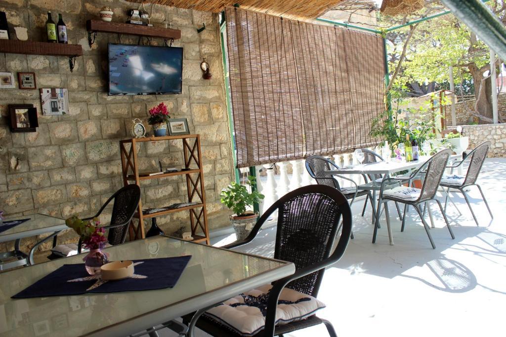 Ресторан / где поесть в Pansion Ivan & Ivana