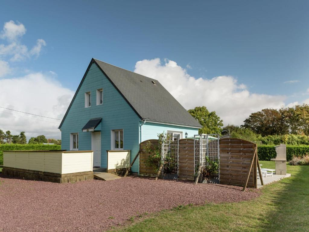 Lovely Holiday Home with Private Garden in Normandy