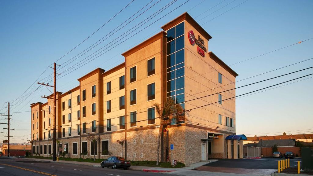 The Best Western Plus Gardena - Los Angeles Inn & Suites.