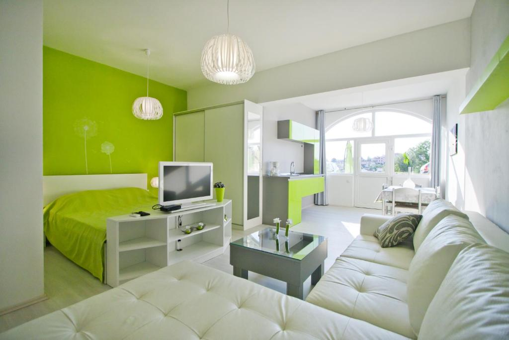 A seating area at Apartments Mauri