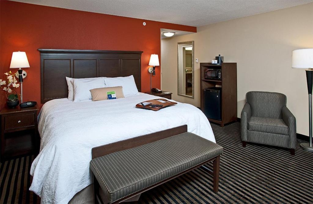 A room at the Hampton Inn Augusta.