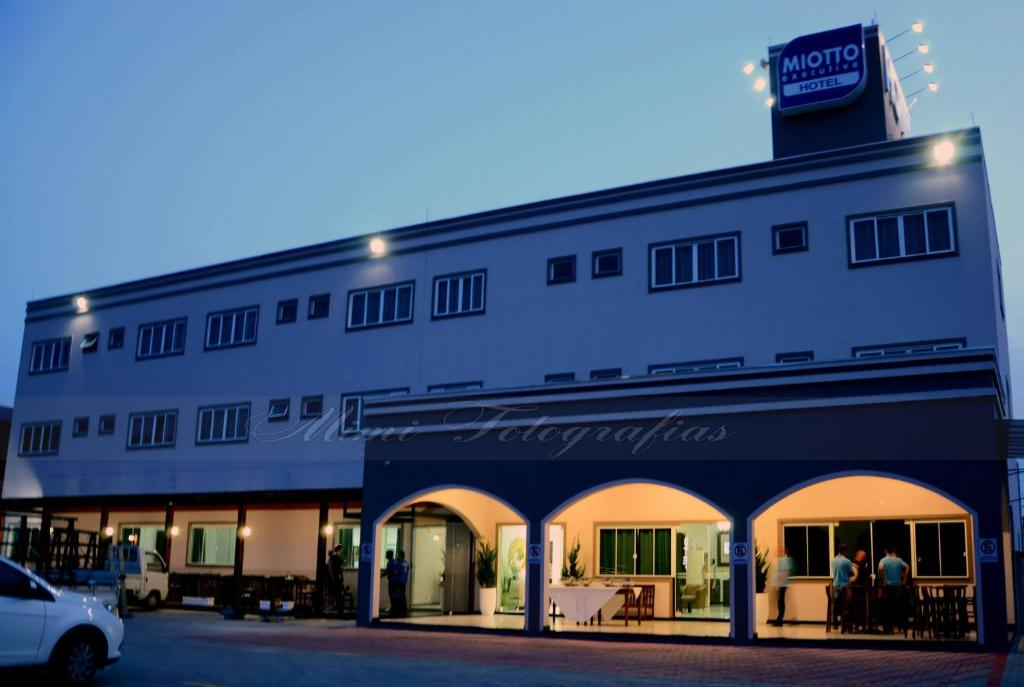 O edifício em que o hotel se localiza