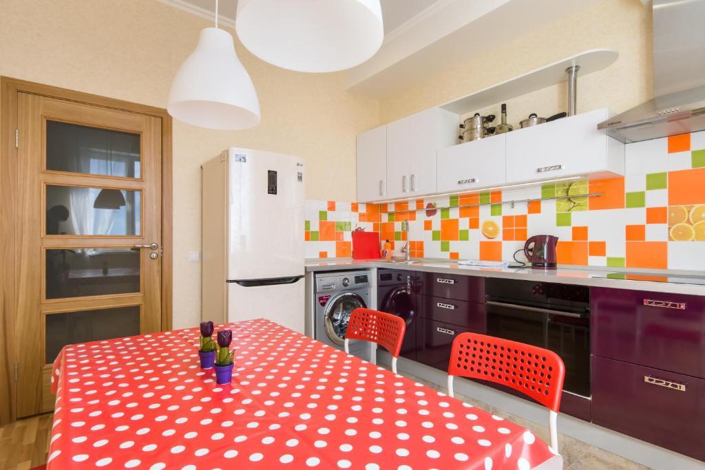 Кухня или мини-кухня в Апартаменты Золотая Подкова 110в