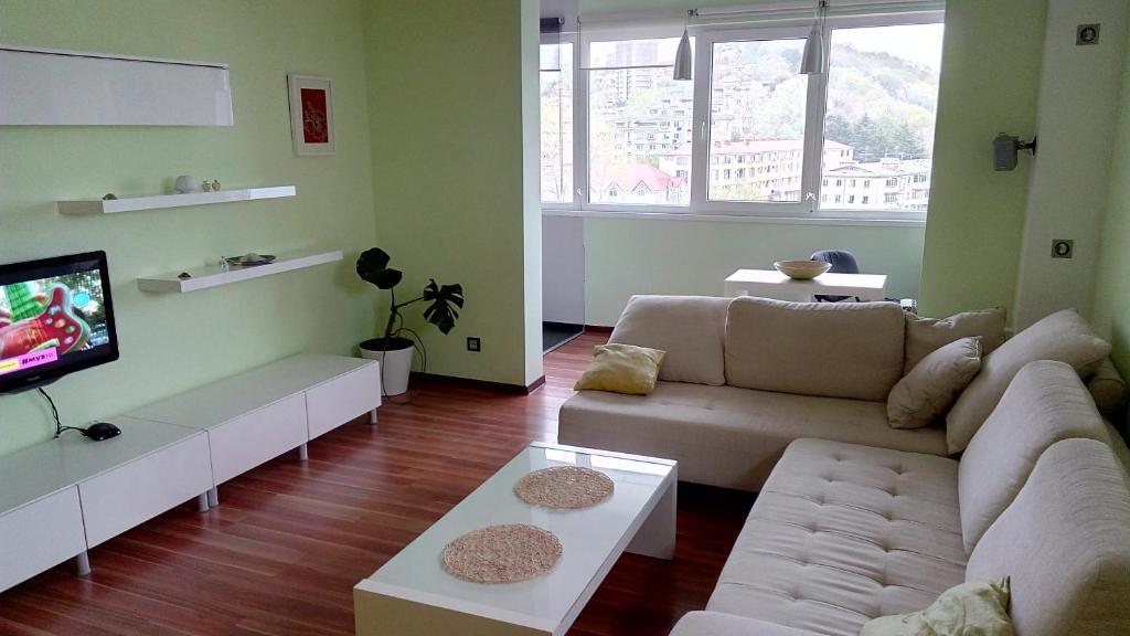 Гостиная зона в Apartment on Yasnogorskaya 6