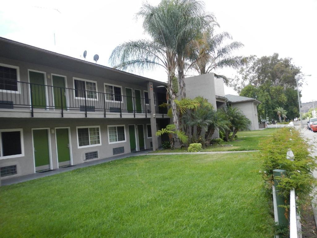 The Lemon Tree Motel.