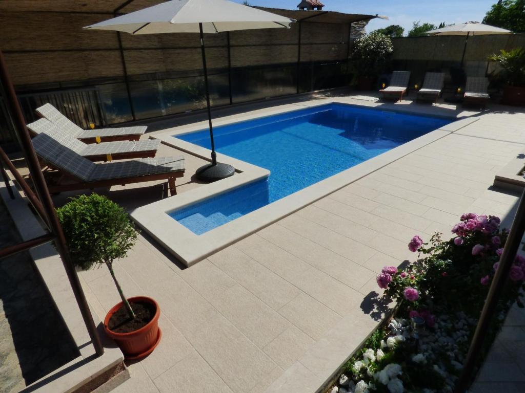 Bazén v ubytování Villa Marica nebo v jeho okolí