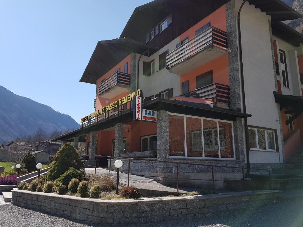 Hotel Ristorante Sasso Remenno