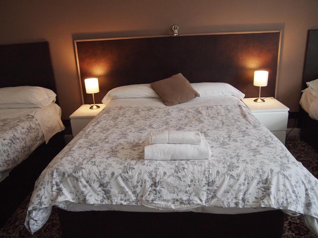 Kingswood Hotel & Restaurant - Laterooms