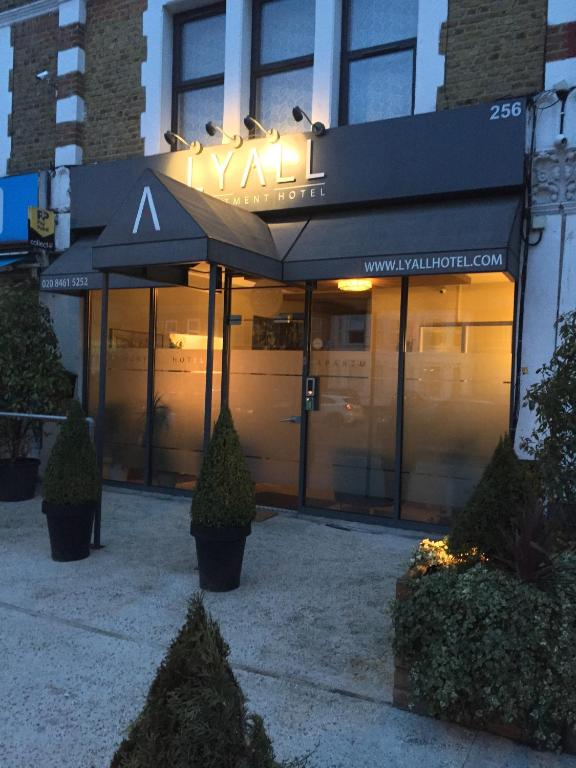 Lyall Apartment Hotel in London, Greater London, England