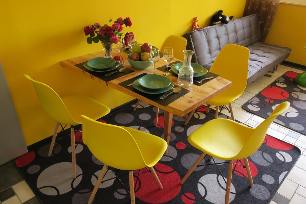 Restoran ili neka druga zalogajnica u objektu Apartment Veseli