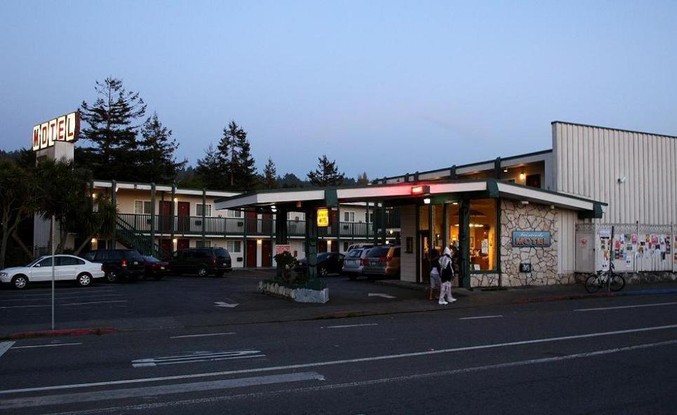 The Fairwinds Motel Arcata.