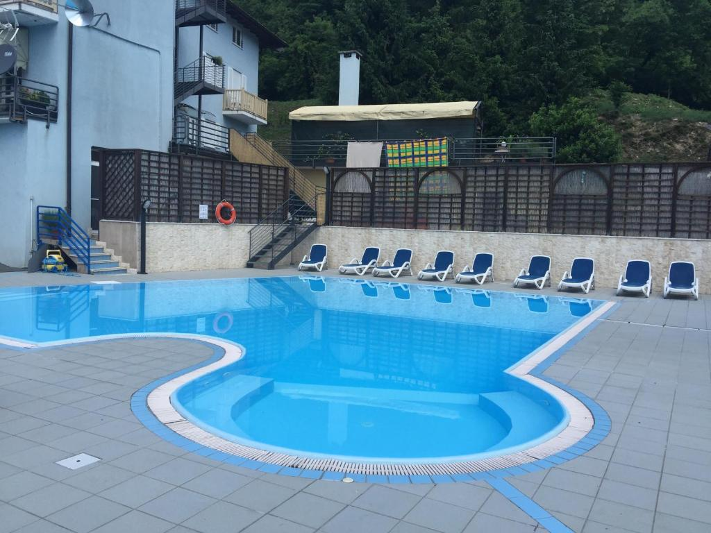 The swimming pool at or close to Hotel Scaranò
